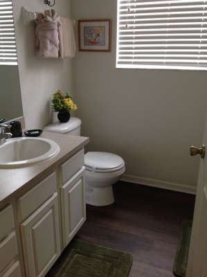 Bathroom Between Queen and Mickey/Minnie Twin Bedrooms